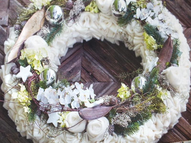 Compositions florales pour les f tes boyer p piniere for Entretien jardin decembre